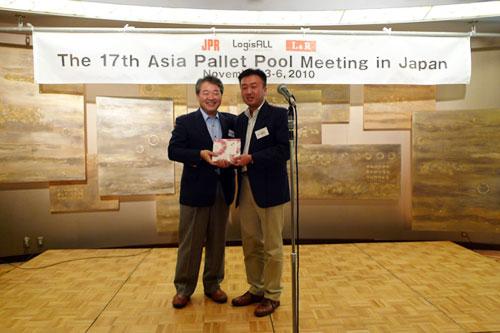 深圳市顺航通国际货运代理有限公司李总参加APP高尔夫球比赛活动中取得第三名的优异成绩